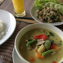 Larb gai, green curry, mango shake, steam rice :-)